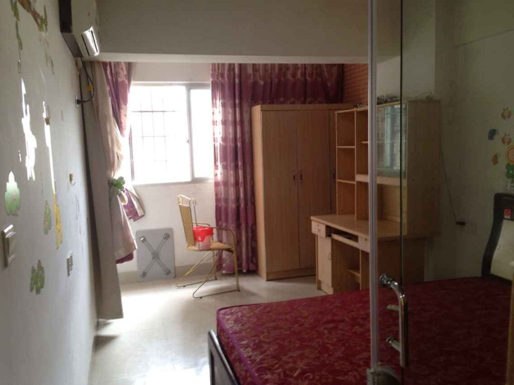 南城莲东便宜电梯2房家具家电齐全小区管理OK价格面